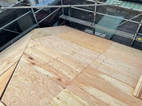 屋根カバー工事 施工中