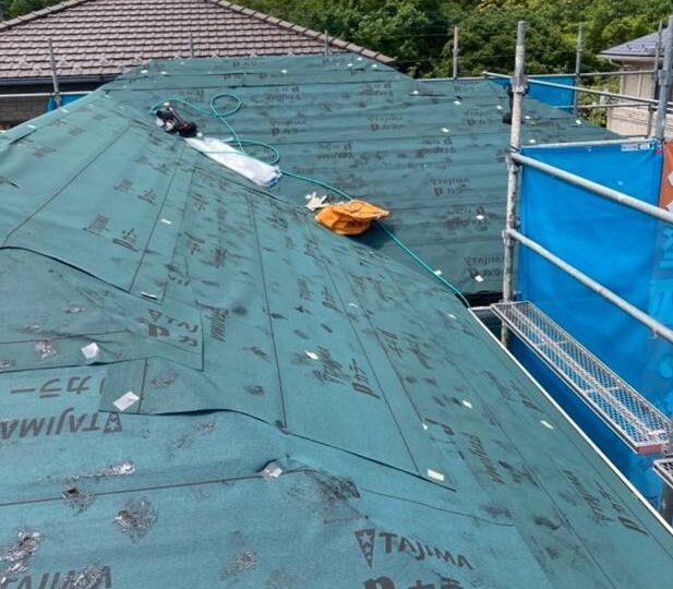 屋根カバー工法 施工中