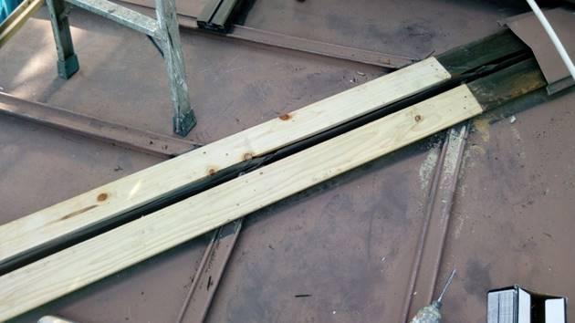 1階板金屋根 棟木交換
